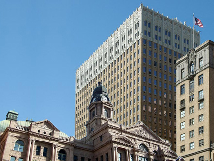 building-and-courthouse-440